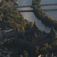 Aschaffenburger Schloss mit Main, Ашхаффенбург