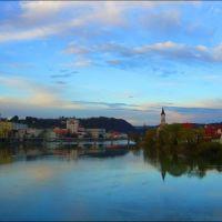 Der Inn in Passau in Bayern mit Blick in Richtung Tscheschiche Republik in 2k8, Пасау