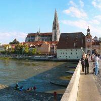 Regensburg, Panorama auf der alten Brücke, Регенсбург