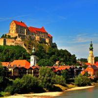 Burghausen mit Burg von der Salzach aus gesehen, Бургхаузен