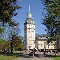 Eingang von der Westseite mit Blick auf den Schloßturm, Карлсруэ