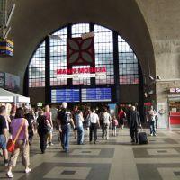 Karlsruhe Hauptbahnhof, in der Empfangshalle, Карлсруэ