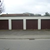 vier Garagen in Braun, Пфорзхейм