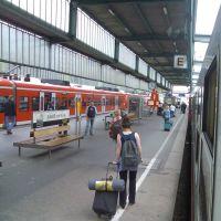 Wenn Stuttgart 21 gebaut werden sollte,  wird eine ganze Region darunter leiden!!! Hauptbahnhof Gl. 4, Штутгарт