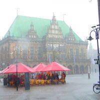 Straßencafé am Marktplatz Bremen im Regen - (C) by Salinos_de HB, Бремен