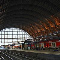Bremen Hauptbahnhof - Halle - (C) by Salinos_de HB, Бремен