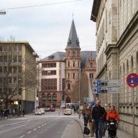 Bahnhofstrasse mit Rathaus, Висбаден