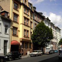 Offenbach: Hermann-Steinhäuser-Straße, Оффенбах