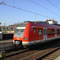 BR 423 im S-Bahnhof Offenbach-Ost, Оффенбах