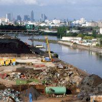 Offenbach: Hafen mit Skyline von Frankfurt 1990, Оффенбах