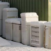 ";-) DELMENHORST, ""Recycling-Point"": Frierende Gefrierschränke / Freezing freezers • 11-2008, Дельменхорст"