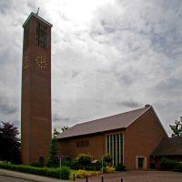 """DELMENHORST: Kirche Ev. luth. Gemeinde HEILIG GEIST / Church Evangelic lutheran municipality HEILIG GEIST (""""holy spirit"""") • 07-2011, Дельменхорст"""