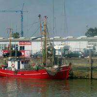 Fischerboot in Cuxhaven (vom Boot aus gesehen), Куксхавен