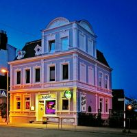 Bei Gill – letzte Impression des letzten Pubs vor England - (C) by Salinos_de HB, Куксхавен