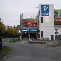 Neue Einfahrt Parkhaus RheinBerg Passage, Бергиш-Гладбах