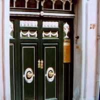 Bonn. Alemania. Puerta de la casa de  Beethoven., Бонн