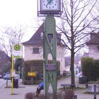 clock at rott constructed with schwebebahn rail parts, Вупперталь