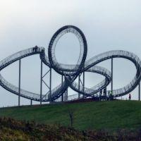 """Blick auf die neue Landmarke """"Tiger & Turtle – Magic Mountain"""" (Duisburg-Wanheim-Angerhausen) / 28.01.2012, Дойсбург"""