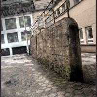 Das Geländer ist besonders wichtig. Stell Dir vor, einer würde über die Mauer fallen..., Золинген