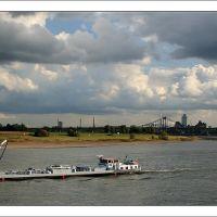 Der Rhein bei Krefeld - Richtung Uerdinger Brücke, Крефельд