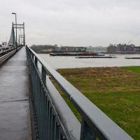 Über dem Rhein, Крефельд