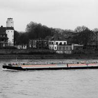 Stromaufwärts auf dem Rhein bei Uerdingen, Крефельд