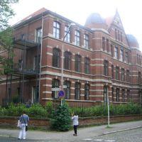 """Minden: ...  die alte, große """"Heideschule"""" (ehemalige Volksschule - jetzt ETWs), Минден"""