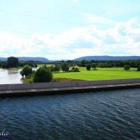 Blick über den Mittellandkanal und die Weser, dahinter Minden (Westf.), Минден