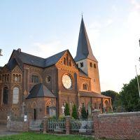 """""""Sankt Matthäus / Niederkassel am Rhein. Abgelichtet im September 2012, Нидеркассель"""
