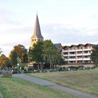 """""""Sankt Matthäus"""" in Niederkassel / Germany. Abgelichtet im September 2012, Нидеркассель"""