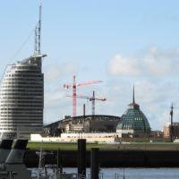 Blick zum Atlantic Hotel Sail City - Bremerhaven - 04.2008, Бремерхафен