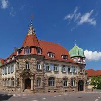 Die alte Post, 1906 als Königlich Bayrisches Postamt errichtet und seit 1966 als Stadtbibliothek genutzt, Вайсенбург
