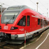 Regional Express in Bahnhof Sassnitz (Baureihe 427 003-9), Засниц