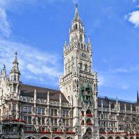 München: Neues Rathaus im neugotischen Stil., Мюнхен