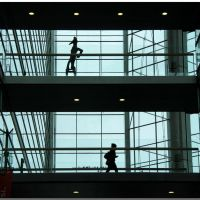 (me11) Helsinki – Sanomatalo, Helsingin Sanomat building – which person is real and which is art?, Хельсинки