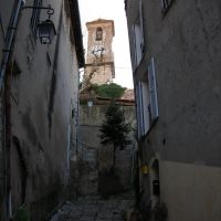 Il campanile che spunta tra le case, Канны