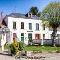 La Mairie de Loye-sur-Arnon, 18170, Cher, Виллежюи