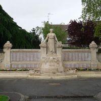 Joinville-le-Pont - Monument aux morts, Сен-Мар-дес-Фоссе