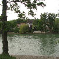 Borde del Rio La Marne, Nogent-su-Marne, Fr., Фонтеней-су-Буа