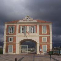 ancienne entrée des chantiers navals, Ла-Сен-сюр-Мер