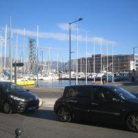 Le port de la Seyne avec le pont de lex Chantier Naval en belvédère et  lhotel Kyriad en lieu et place de La Rotonde, Ла-Сен-сюр-Мер