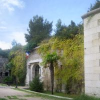 Entrée principale du Fort Napoléon (XIXeS), Ла-Сен-сюр-Мер