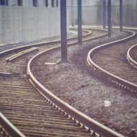 Deux droites parallèles sont deux droites qui, comme les rails du chemin de fer, tournent en même temps., Исси-ле-Мулино