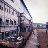 It was the biggest factory in France, Кличи