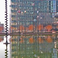 Réflection double: dans leau et  les fenêtres, Курбеву