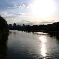 Belle lumière du soir dans une courbe de la Seine, Левальлуи-Перре