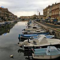 Le canal, Сет