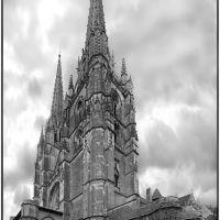 Chapitel Sur de la iglesia de Sainte-Marie de Bayona (B/N), Байонна