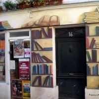 fachada de una libreria, en Saint Esprit , Bayonne .- Francia, Байонна
