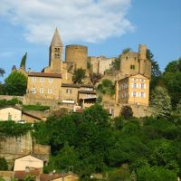An old castle in Beaujolais. Its a ruin, so the banker who owns it just built himself a nice house in front of it. Like you do., Вениссо